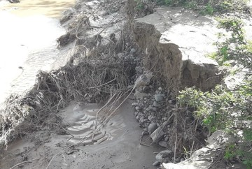 Granizada, lluvia y riada afectan cultivos y rutas