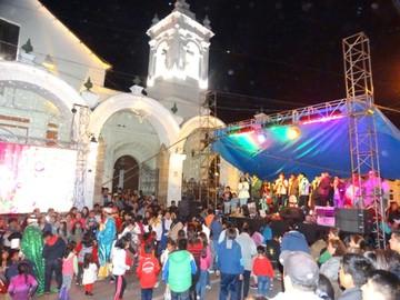 Tradición y entrega de regalos caracterizan a la Fiesta de Reyes