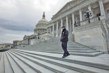 Trump busca enfrentar cierre de administración