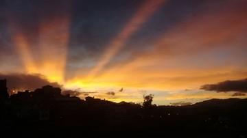 Brillantes puestas de sol