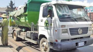 Chofer fallece en El Alto apretado por dos camiones