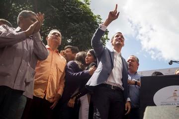 La oposición pide apoyo para desbancar a Maduro