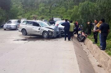 Una persona fallece y cuatro resultan heridas en accidente