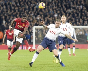 El United busca meterse en zona de Champions