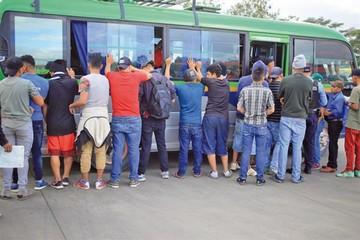 Honduras amenaza con cárcel a padres de niños