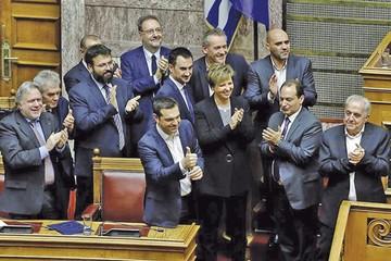 Tsipras logra apoyo a su labor en Grecia