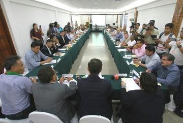 Cívicos, el Conade y candidatos piden aplicar la Carta Democrática de la OEA en el país