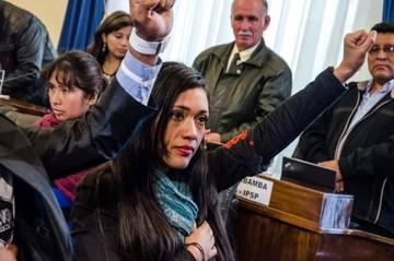 Evo: Salvatierra es la presidenta del Senado, más joven de Bolivia