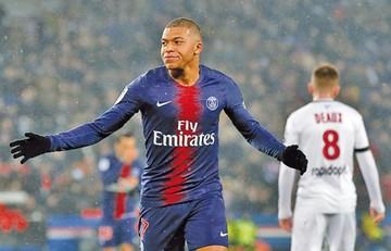 El PSG destroza 9-0 al Guingamp y sigue primero