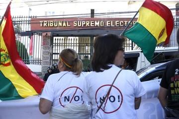 TSE decide desentenderse de la polémica encuesta