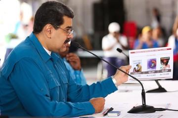 Maduro ordena revisar  las relaciones con EEUU