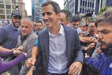 Juan Guaidó se declara presidente  y Maduro rompe relación con EEUU