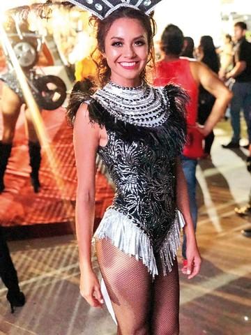 Belleza chuquisaqueña en el Boulevard Carnaval