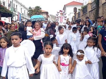 Masiva fiesta en honor al Niño Jesús de Praga