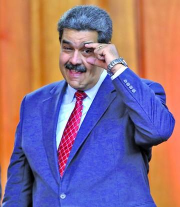 Dan ultimátum a Maduro y éste rechaza los comicios