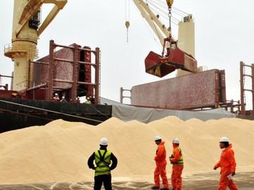 Bolivia redujo su déficit comercial un 4% en 2018