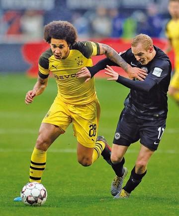 El Dortmund empata y sigue comandando