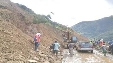 Hay carreteras afectadas en tres regiones