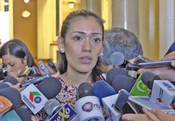 Presidenta del Senado estaría habilitada para votar en Chile