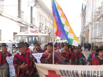 Marcha indígena busca respeto de su territorio