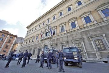 """Protesta de """"chalecos amarillos"""" afecta la relación Francia-Italia"""