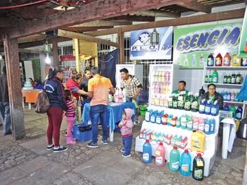 Feria de doble aguinaldo  exhibe oferta productiva