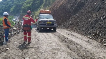 Rehabilitan el tránsito vehicular en Caranavi