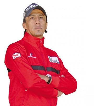 Jhonny Serrudo Quispe Sueña con dirigir en el fútbol profesional