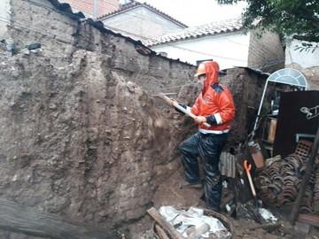 Sucre: Más lluvias colapsan muros y dejan a familias en vilo