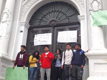 """Recurso judicial instruye apertura de puertas de la """"U"""""""