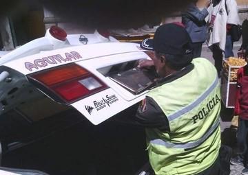Policía recupera dinero olvidado en un taxi