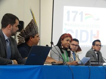 Indígenas de Brasil piden restituir demarcaciones