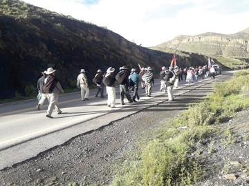 Marcha indígena avanza y se fortalece