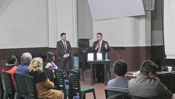 Debaten sobre DDHH en torno a conflictos políticos