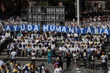 Estados Unidos envía tres aviones con ayuda humanitaria a Venezuela
