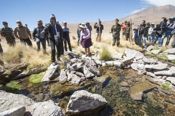 Evo insiste en que aguas del Silala fluyen artificialmente a Chile