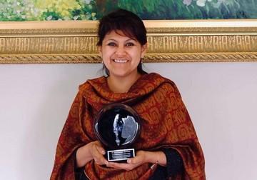 Científica boliviana recibe el premio OWSD-Elsevier