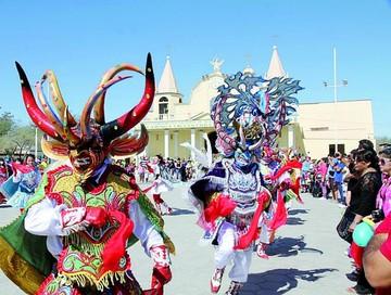 Chilenos admiten origen boliviano de danzas