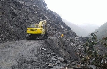 ABC registra seis derrumbes en el tramo Unduavi-Chulumani