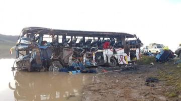 Oruro: Colisión entre un bus y un camión deja más de una veintena de muertos