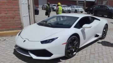 Exfuncionario de YPFB niega haber comprado el Lamborghini