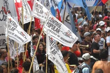 Cientos de personas protestan en Buenos Aires contra la reducción de edad penal
