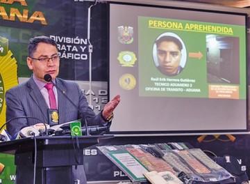 La Paz: Arrestan a aduanero por caso de extorsión