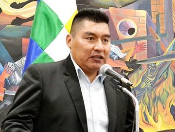 Autonomías: Rivas jura como nuevo viceministro