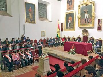 Aprueban Ley Municipal del Bicentenario