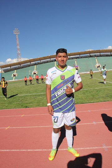 Quiere llegar al fútbol profesional Boliviano