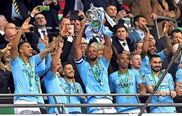 El City gana en penales y levanta la Copa de la Liga