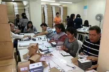 Cancillería pide al TSE que garantice condiciones para el voto en el exterior