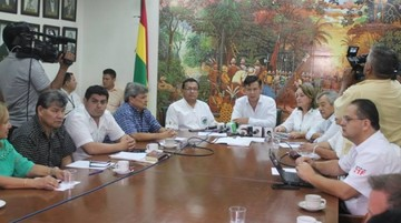 Cívicos determinan reunir 500 mil firmas para exigir pronunciamiento de la CIDH