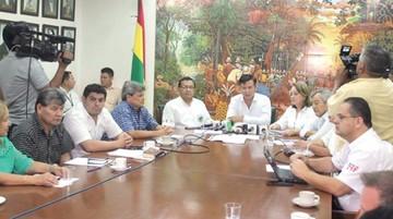 Cívicos quieren 500 mil firmas contra reelección